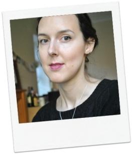 Como eu uso: com leve delineador, BB Cream e blush (e a vergonha da selfie para o blog...)